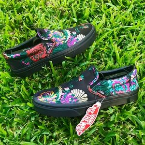 Vans Off The Wall Black Floral Slip-On Sneakers